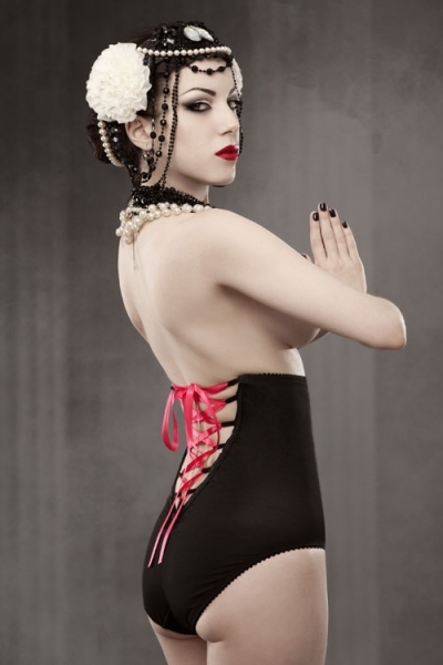 Kiss_me_deadly_vargas_lace-up_panty_girdle