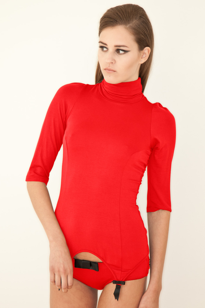 Kriss Soonik — Kristel Turtle Neck Suspender Top in red
