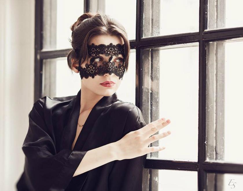 Как сделать маску из кружева своими руками