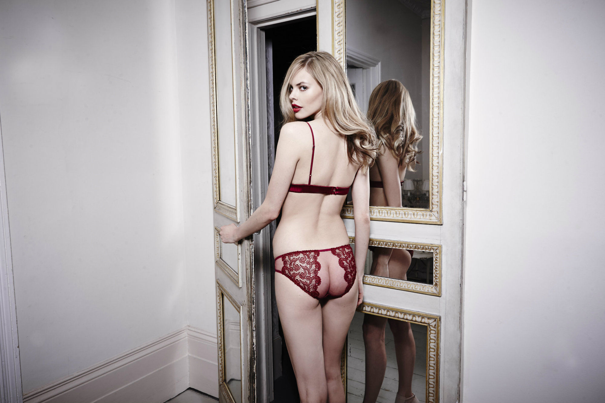 Scarlet Boudoir bra and brief BACK Fleur of England sm