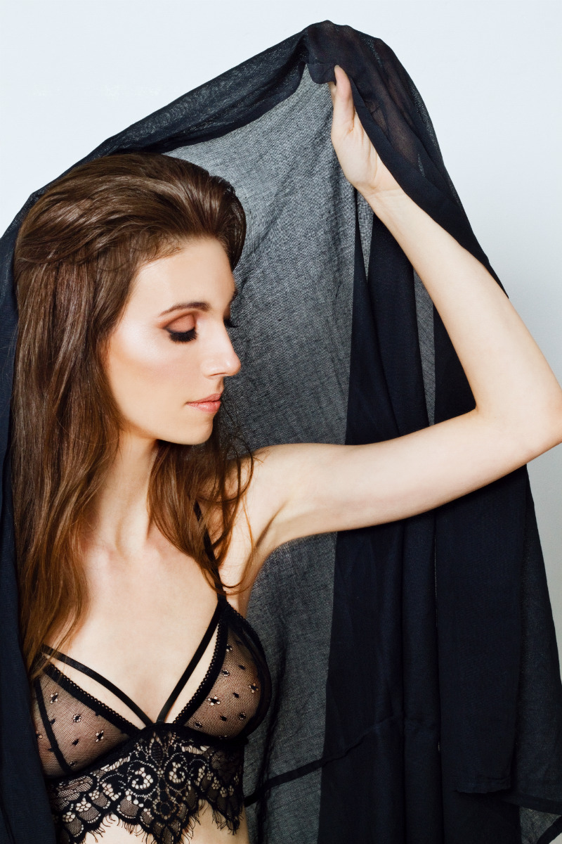 garterblog model photos amoralle robe for lova and lemons ba