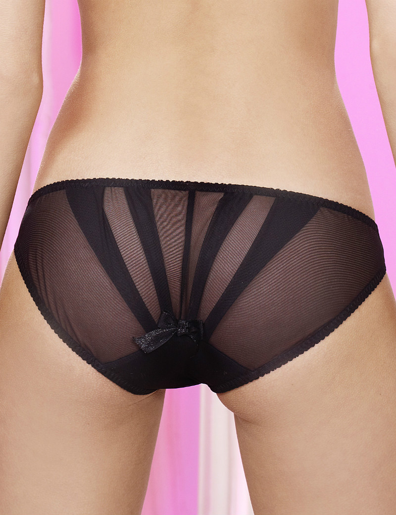 Embroidery & Furs Liquorice Pretty Panties, £49 вместо £79