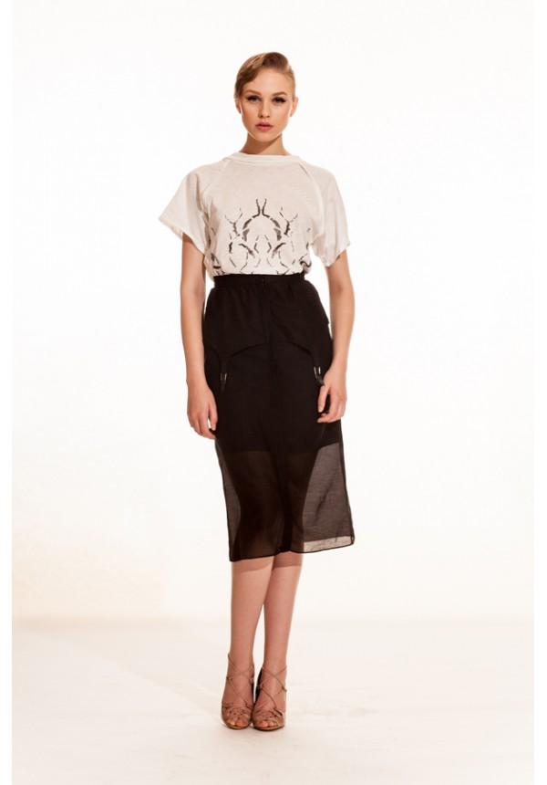 Crinkle T-shirt - Inverted Skirt - front-600x860