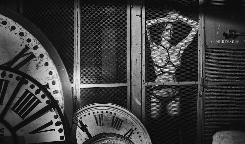 Mise en Cage private lingerie sale
