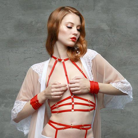 Ремешки для тела Samantha от Flash You And Me, цена: $43.63 (около 2930 руб.)