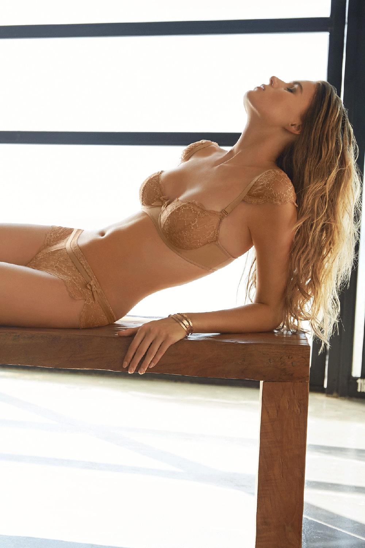 Huit lingerie SS16, Nouvel Emoi