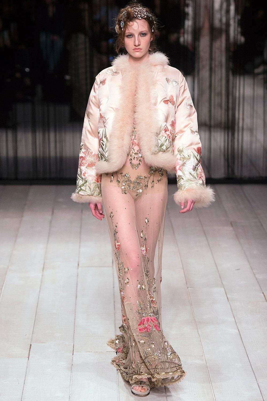 Alexander McQueen Fall 2016