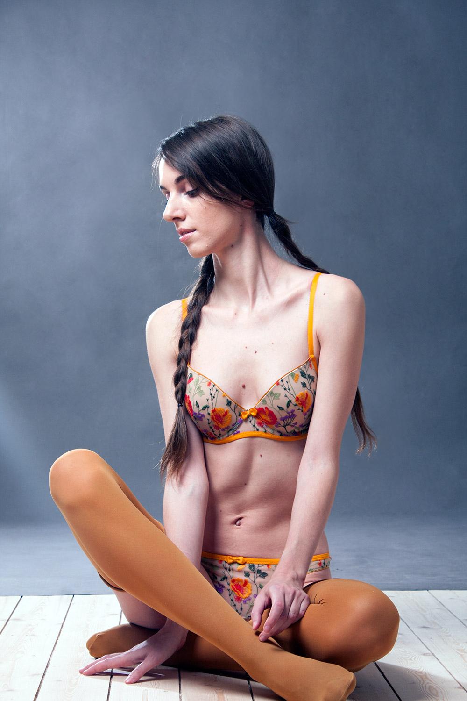 Обзор комплекта французского нижнего белья Huit от Garterblog.ru
