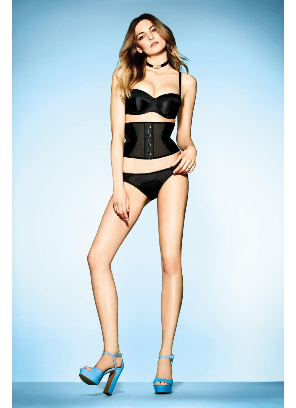 Серия нижнего белья Penelope от L'Agent. Стоимость бра – 5 540 руб.