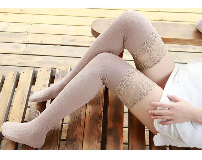 Хлопковые чулки с кружевным рантом Lili Socks