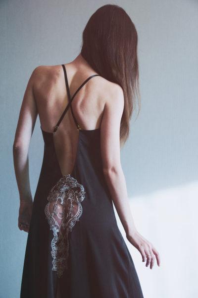 Фотообзор будуарного платья из мокрого шелка о Shell Belle Couture в журнале о нижнем белье и стиле GB {Garterblog.ru}