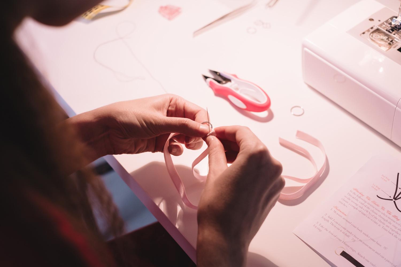 Портупея своими руками. Набор и инструкции Evie la Luve. Обзор в журнале GB {Garterblog.ru}. Процесс пошива портупеи