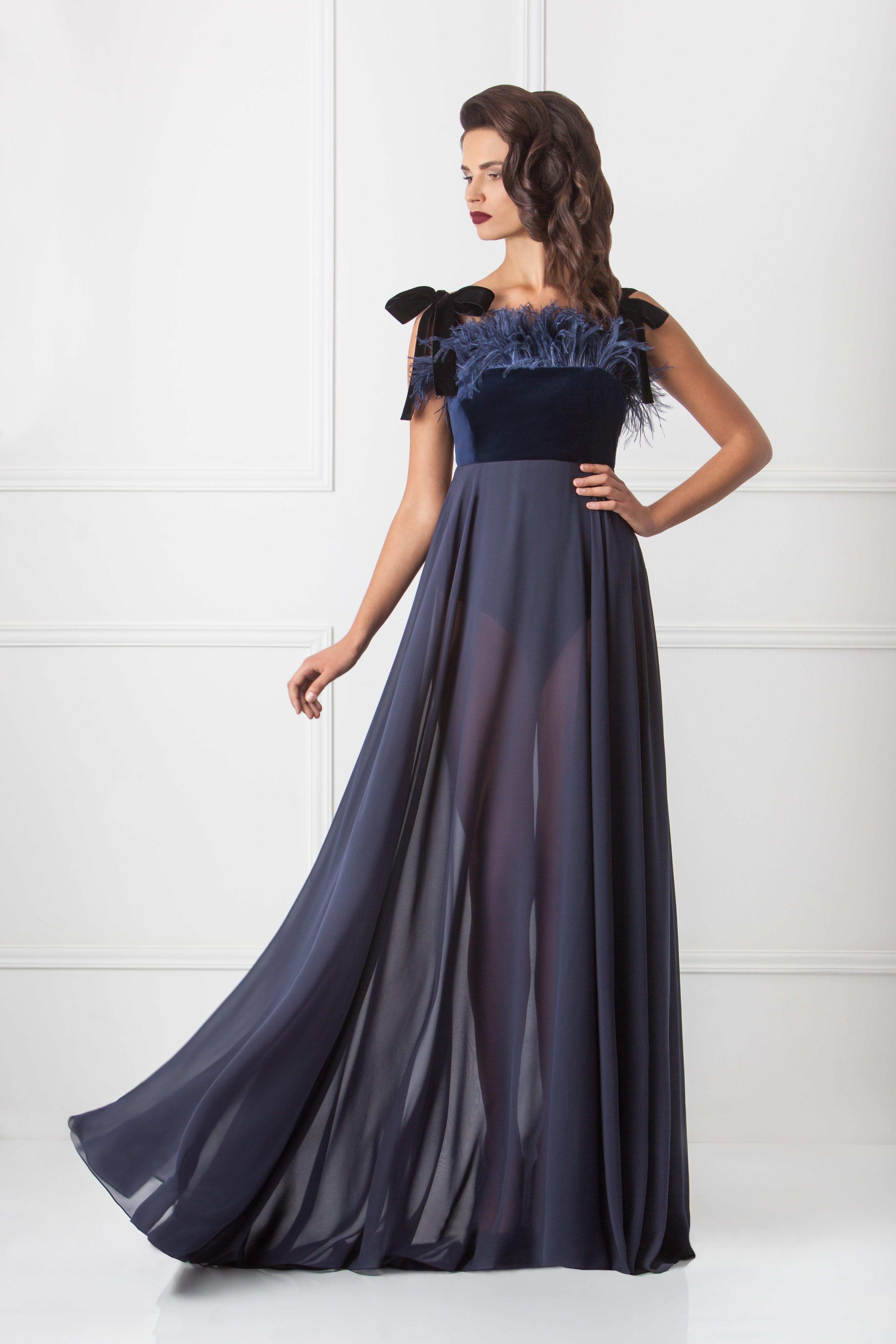 Где искать будуарную одежду со страусиными перьями и перьями марабу. Будуарное платье Chic от Amoralle