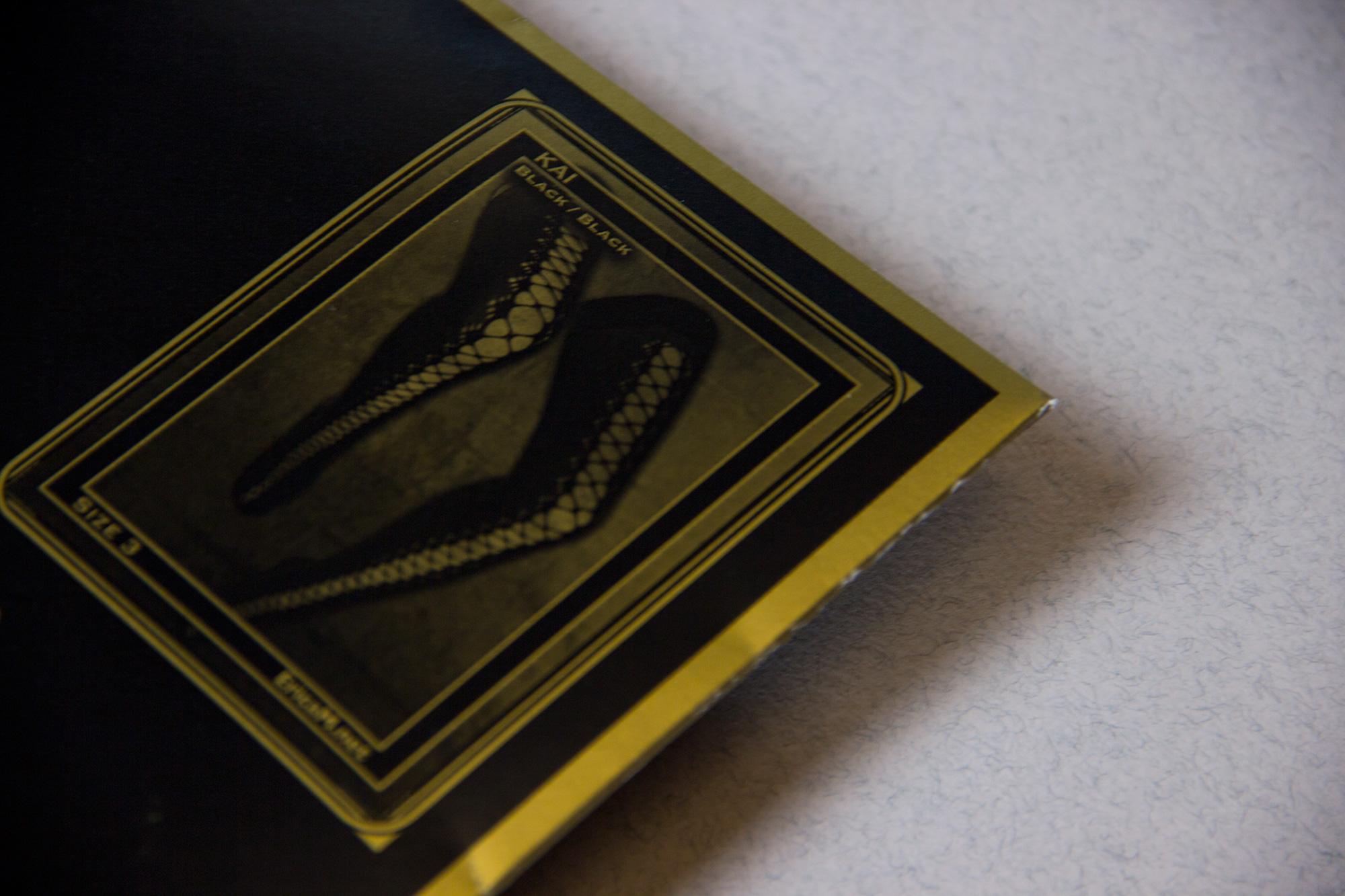 Обзор чулок Kai от английского бренда Erica M. в журнале о нижнем белье GB {Garterblog.ru}