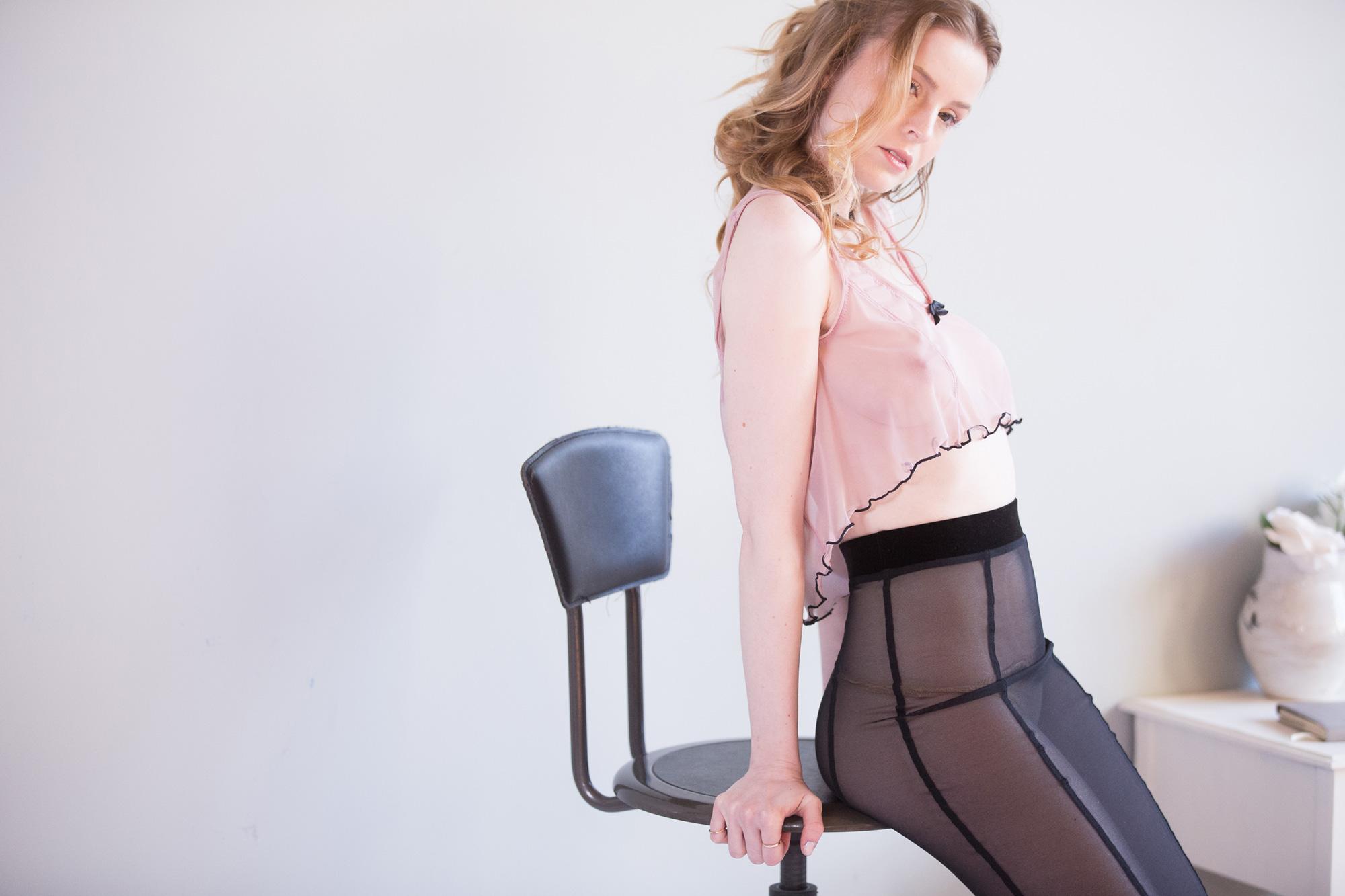Интервью с основательницами бренда Impish Lee. Кали и Ноэль рассказывают, как автоматизировали процесс создания уникального нижнего белья. Журнал GB {Garterblog.ru}