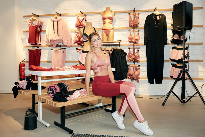 Hunkemöller выпустил первую коллекцию спортивной одежды и белья в коллаборации с известным блоггером