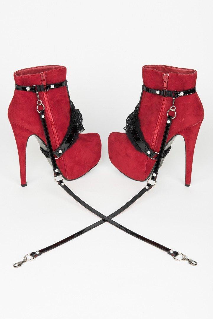 French Kiss: Новая коллекция портупей и будуарных аксессуаров Fraulein Kink