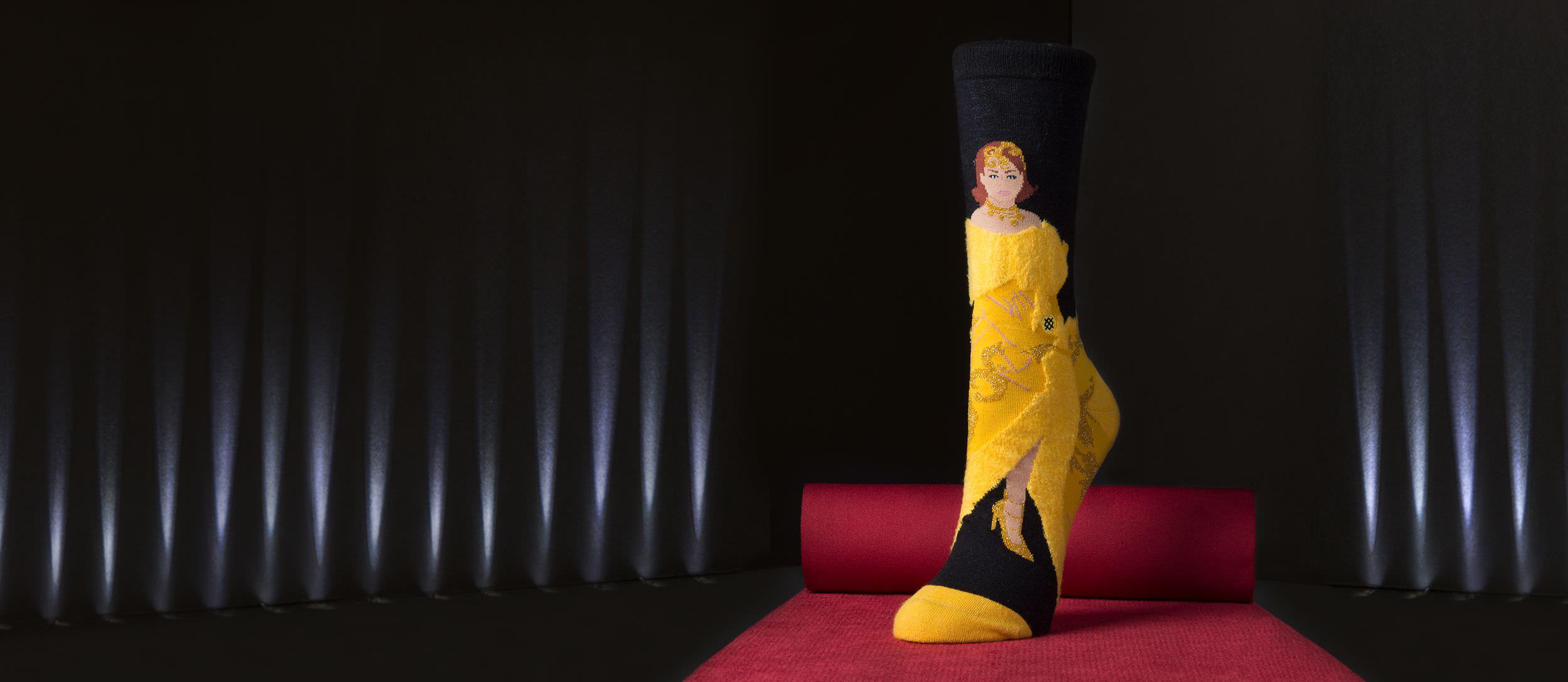 Носки по мотивам лучших нарядов Rihanna. Новая коллаборация певицы с брендом Stance