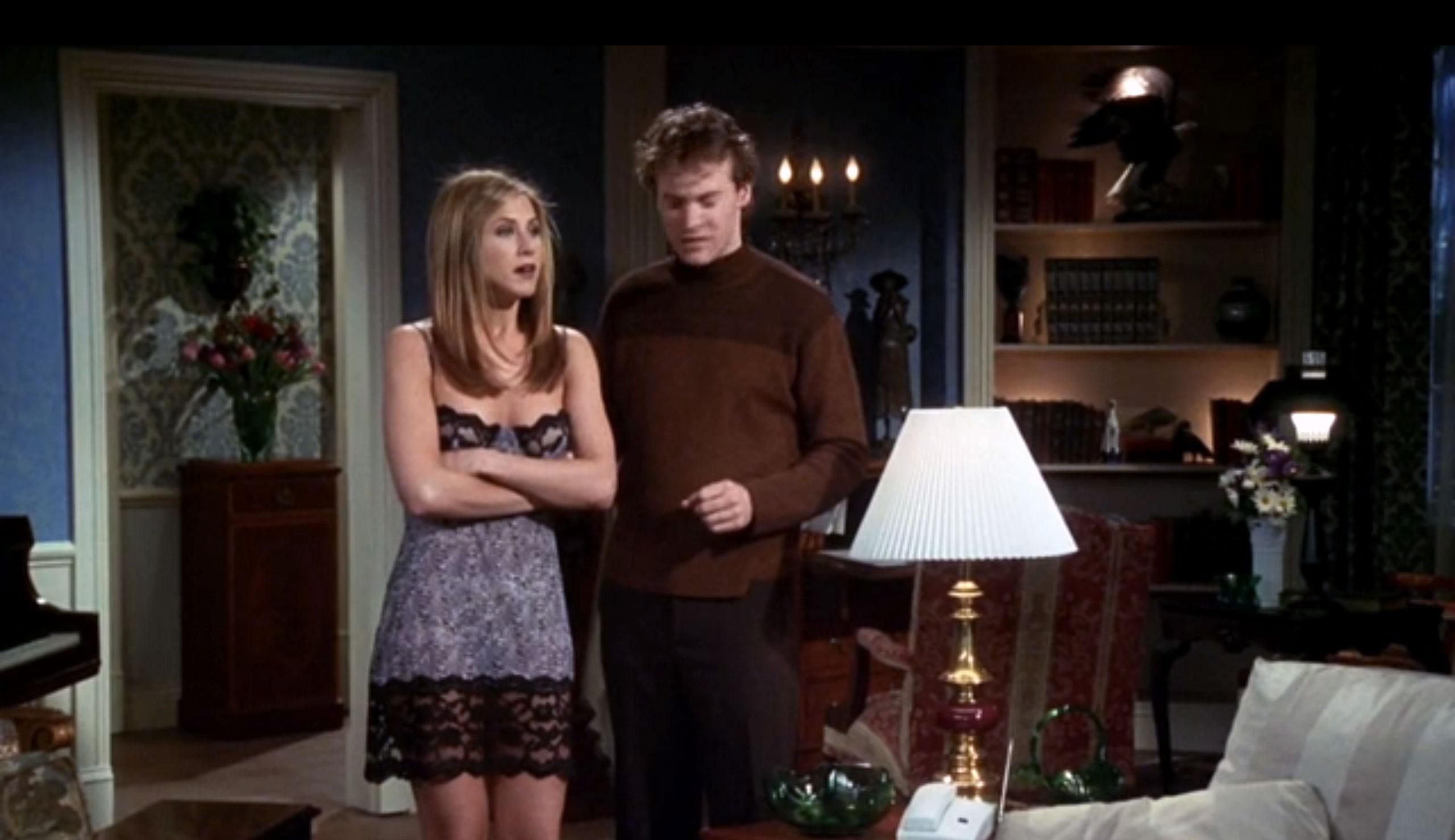 Комбинация в качестве верхней одежды в сериале «Друзья»