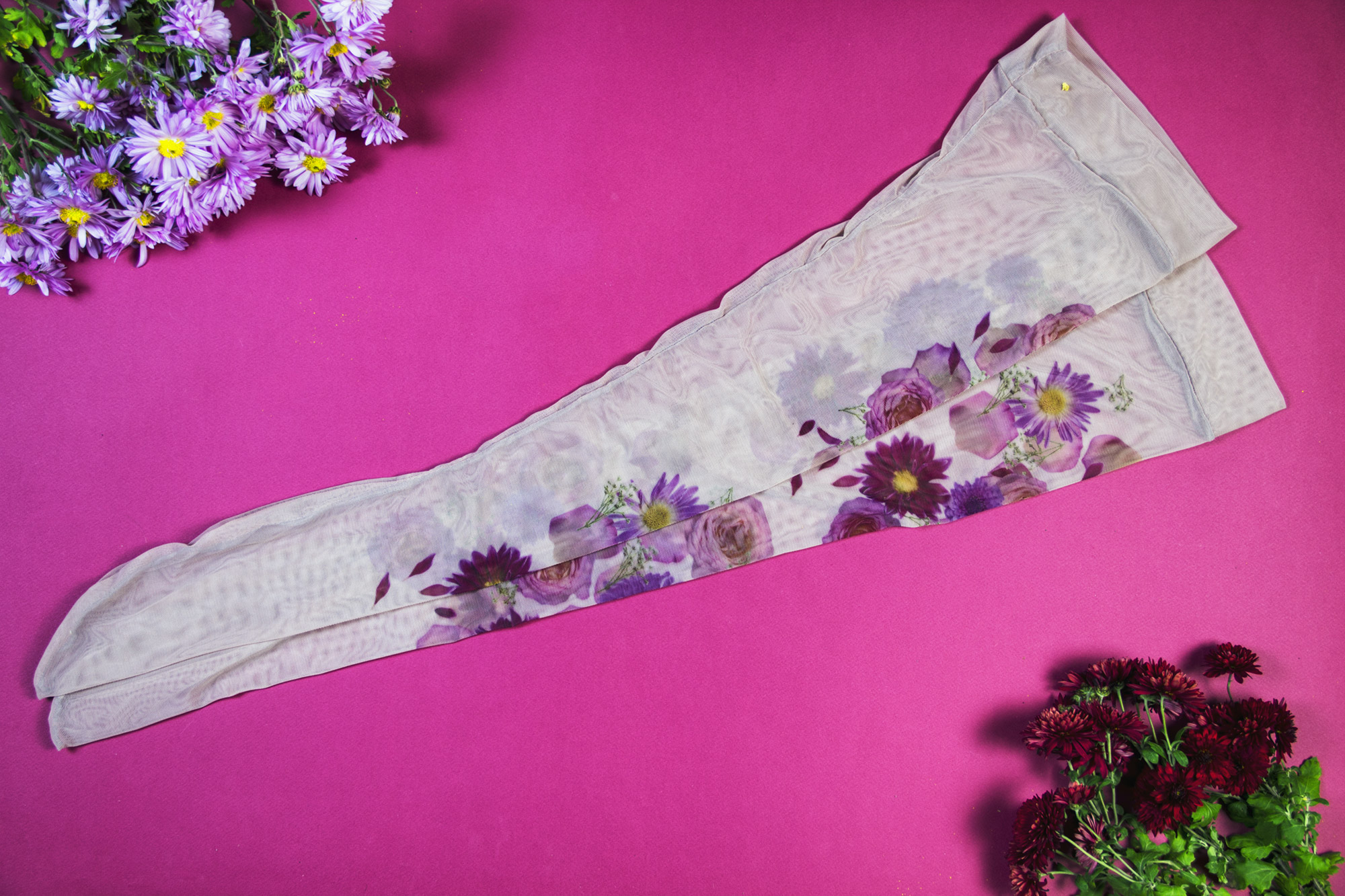 Обзор чулок под пояс Floral Mirage от Uye Surana