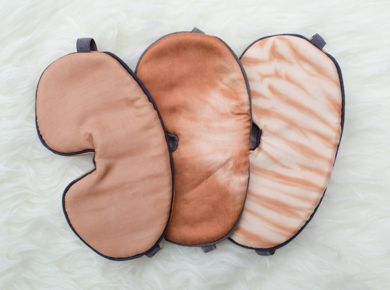 Маска для сна LaAquarelle, $31.03+ (цена зависит от выбранного материала: хлопок, шёлк или бамбуковый шёлк)