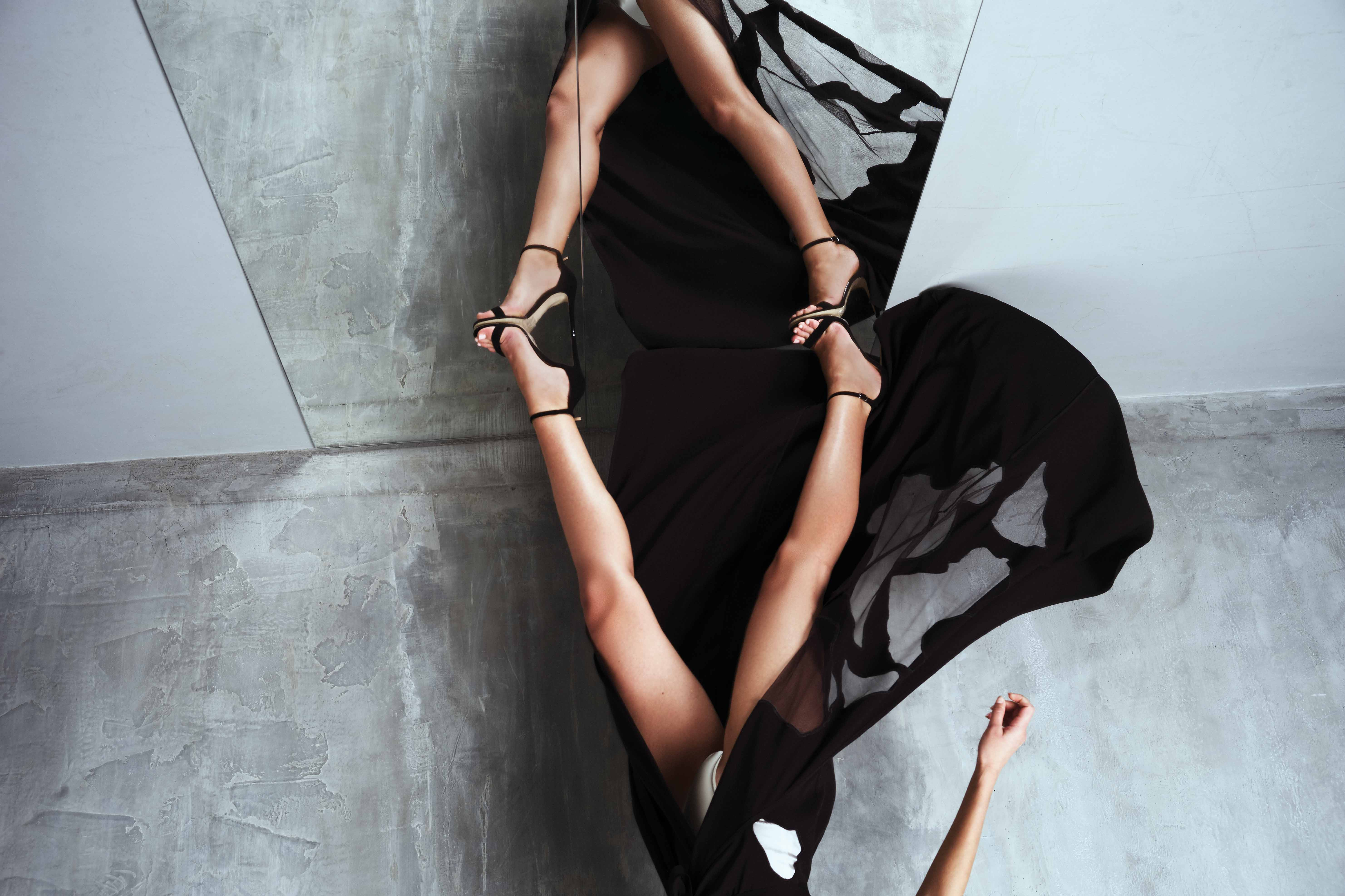 Коллекция одежды, вдохновленной будуарным силем и нижнем бельем, румынского бренда Murmur. Сезон – SS18