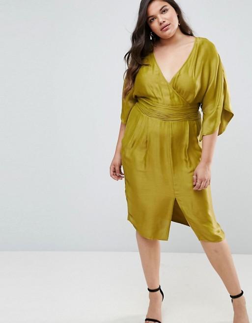 Платье миди с рукавами-кимоно и плиссировкой на талии ASOS 3 690,00 руб.