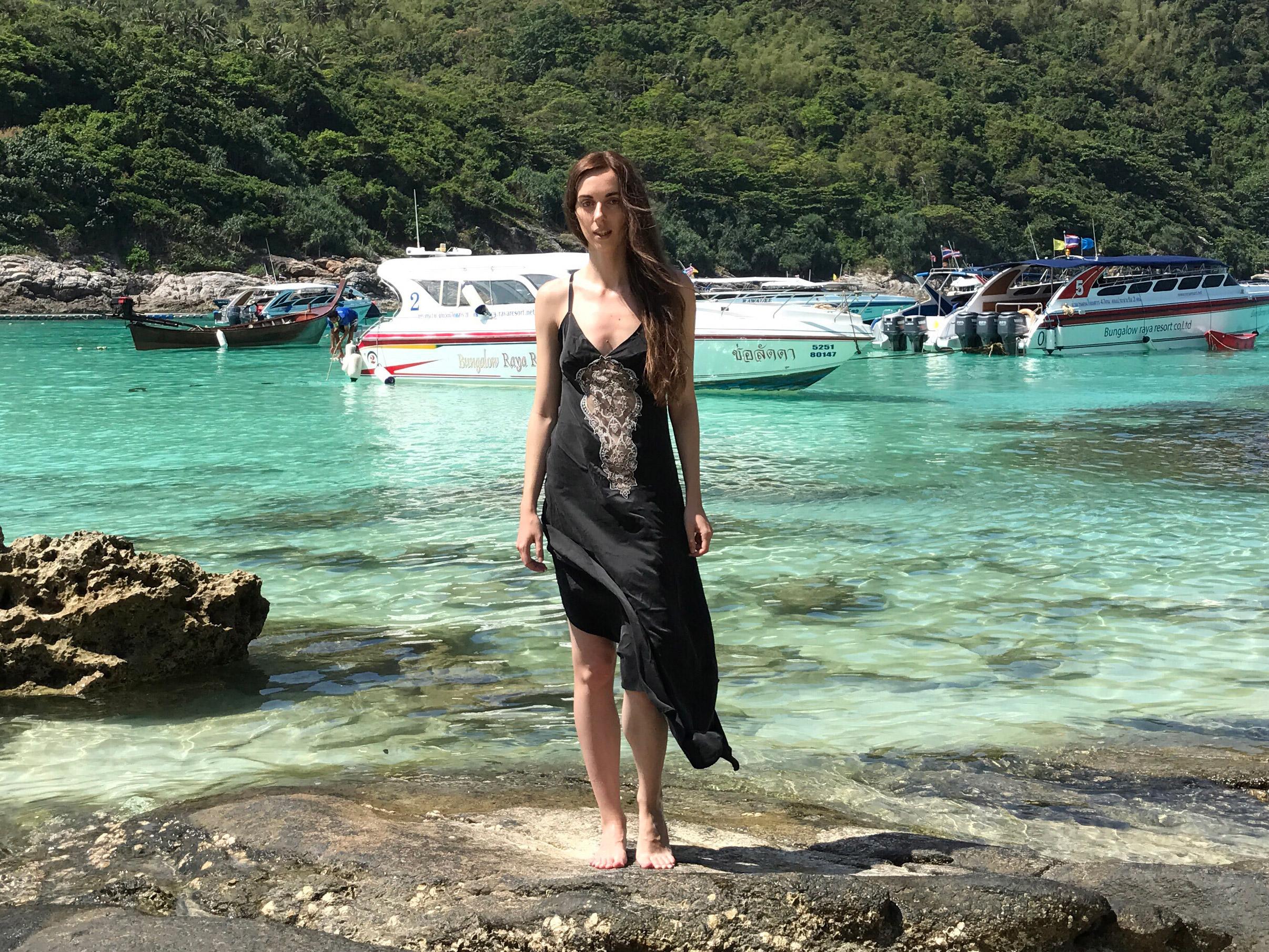 Washed silk boudoir dress by Shell Belle Couture. Photo – garterblog.ru