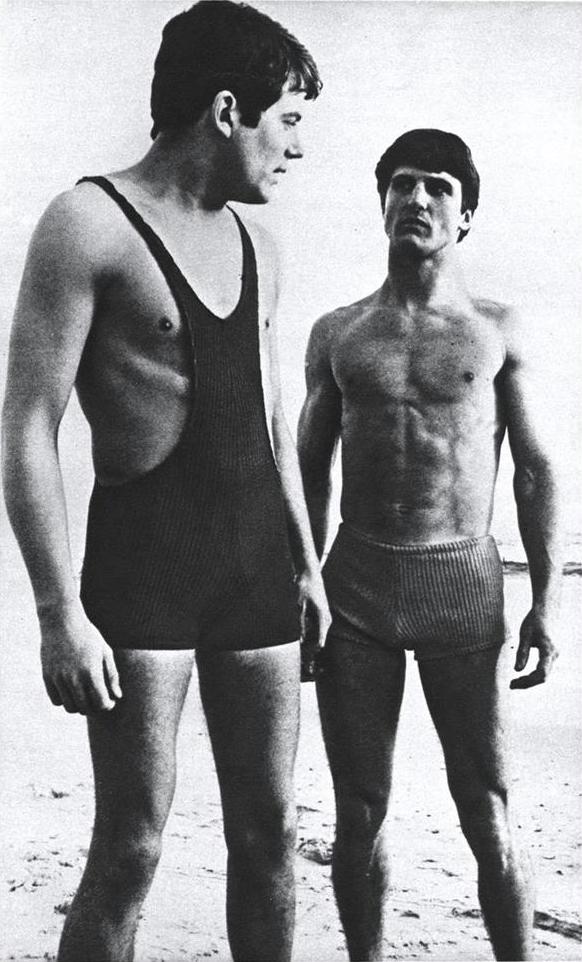 Архив журнала Esquire, июнь 1967. Мужские плавки и купальники в рубчик. Фотограф Terry Stevenson