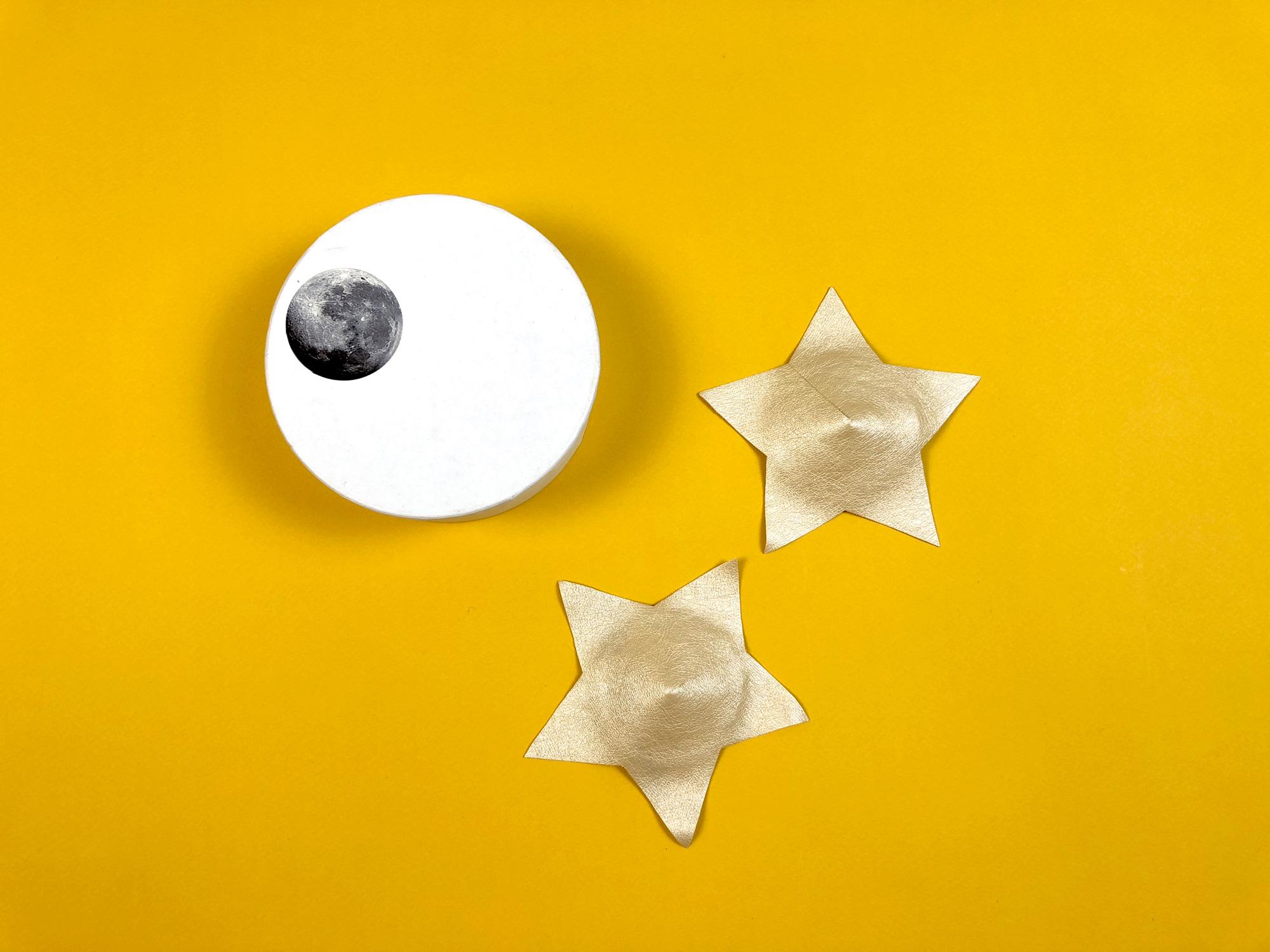 Звёздная ночь: Обзор нижнего белья Nearer The Moon в журнале Garterblog.ru