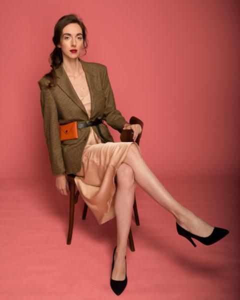 Нижнее белье как верхняя одежда: Классика с платьем-комбинацией. Garterblog.ru Все права защищены
