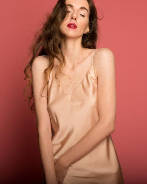 Обзор «голого» платья-комбинации от Tobewoman на garterblog.ru Все права на фото и текстовые материалы защищены